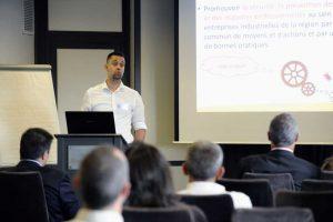 Guillaume Gineste lors d'une conférence sur les référentiels HSE